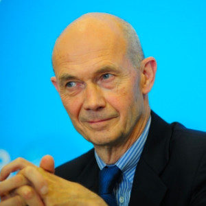Pascal Lamy Profile Picture
